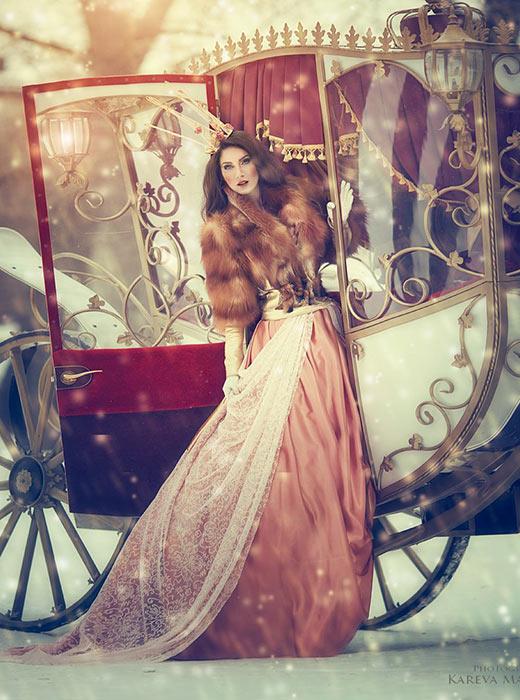 Pakaian yang terbuat dari bulu adalah unsur esensial pakaian Rusia.