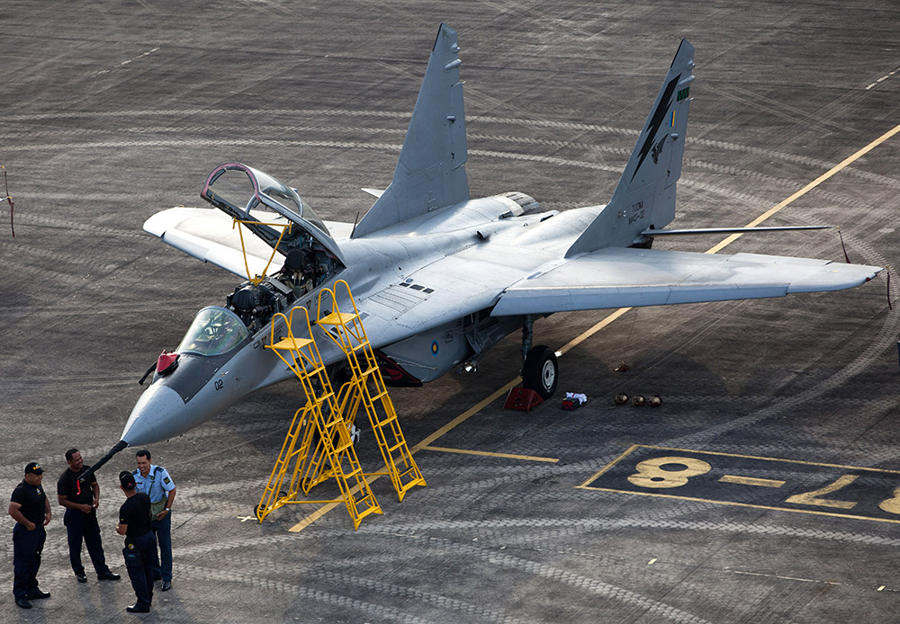 MiG-29 adalah pesawat tempur Rusia yang paling dikenal luas. Diluncurkan pada 1977, pesawat ini dijuluki Fulcrum oleh NATO. Para jagoan dari tim pertunjukan aerobatic Strizhi (Swifts) menunjukkan kebolehan mereka di langit menggunakan pesawat ini.