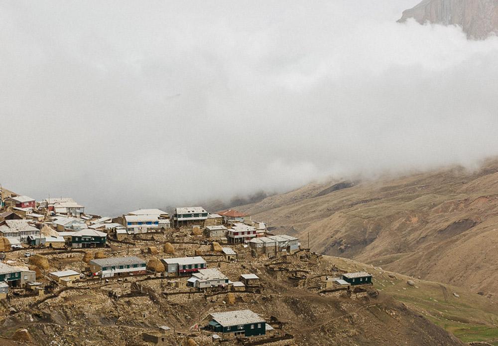 ダゲスタンは現在、ロシア連邦の自治共和国になっており、国境をはさんでアゼルバイジャンとグルジアに隣接している。