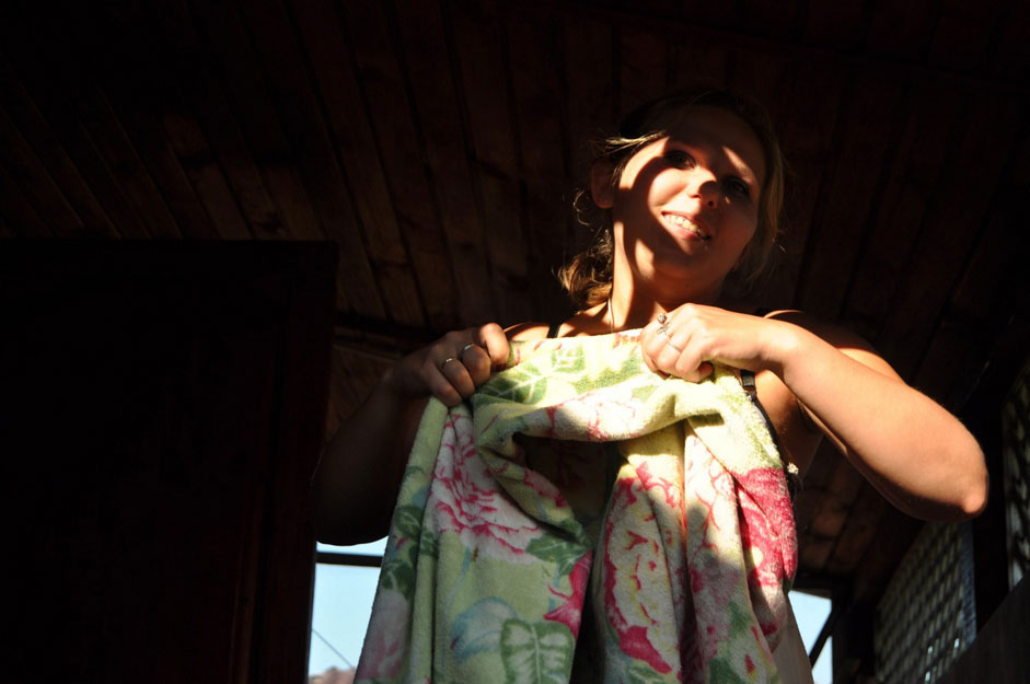 ロシア民衆の通念によれば、一日の労働後にストレスを解消し、病気から身体を守る唯一の方法は、伝統的なバーニャ(蒸し風呂)である。バーニャは技術的な意味でも儀式的な意味でも、正しい方法で加熱し使用することが重要だ。