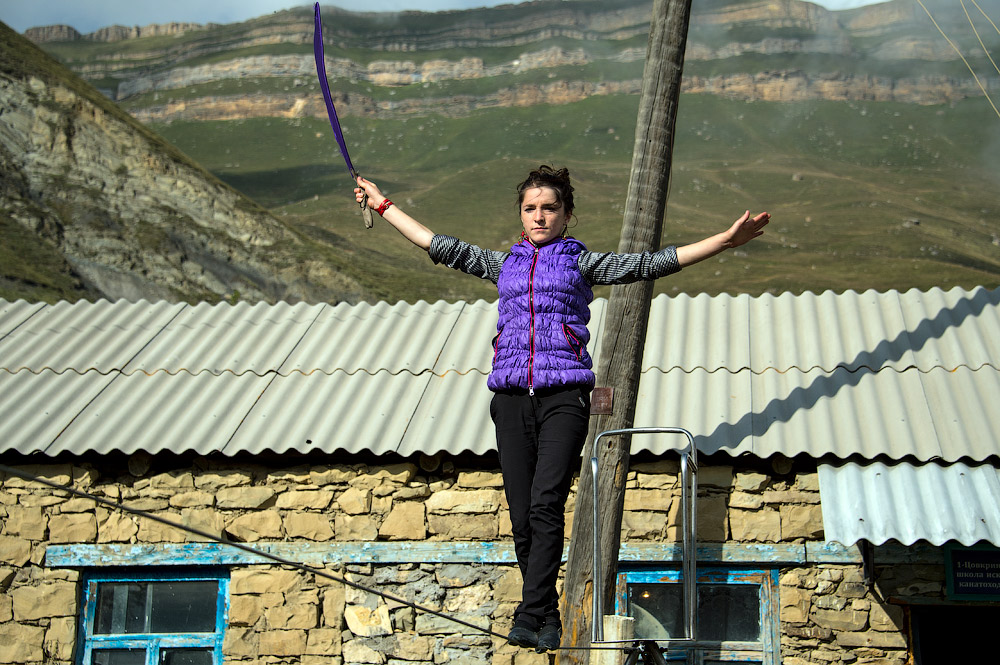 There are no inns or hostels in the mountain aul, but guests can always find a homestay. It is quite in the order of things here in hospitable Dagestan, where the locals will even argue amongst themselves over who gets the guest.