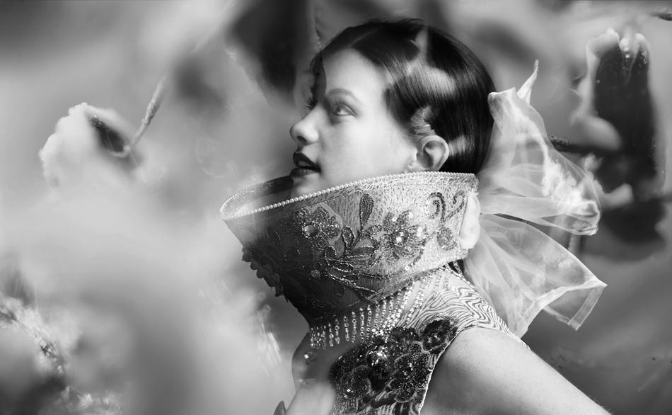 """На 7 Декември 2014 г. Евгения Лужина-Салазар, моден дизайнер, родена в Москва и живееща в Мериленд, представи своя колекция от работата си от три последователни години по време на Нюйоркската Седмица на висшата мода в Университета на Мериленд, Балтимор Каунти (UMBC), във вечер, спонсорирана от Руското Посолство, """"Руски център за наука и култура"""" и Руски клуб UMBC в Университета на Мериленд."""