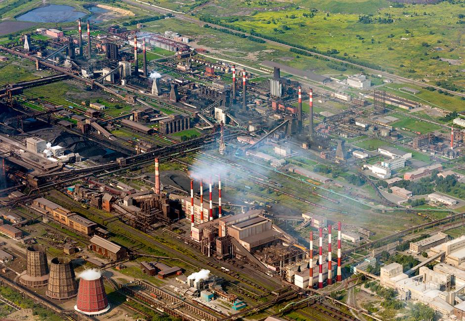 A fábrica ocupa uma área de 22 quilômetros quadrados e emprega 17.000 pessoas