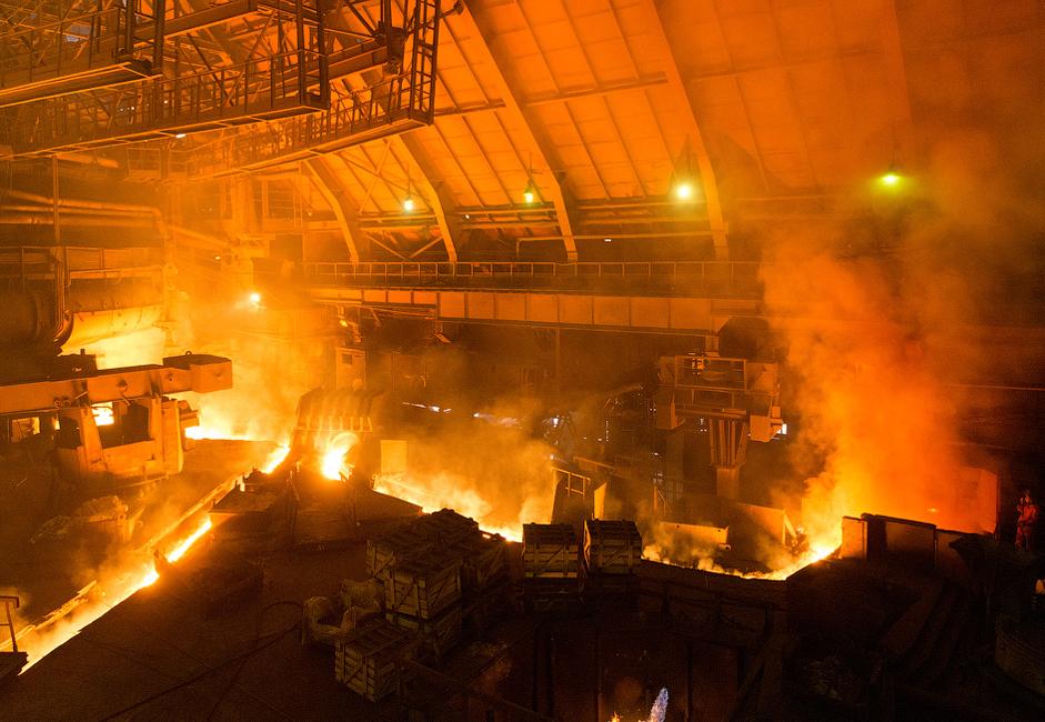 O forno da usina funciona quase que ininterruptamente –  é apagado apenas uma vez em intervalos de 10 a 20 anos, para que sejam feitos reparos em elementos estruturais deteriorados. A temperatura do forno chega a 1.300°C