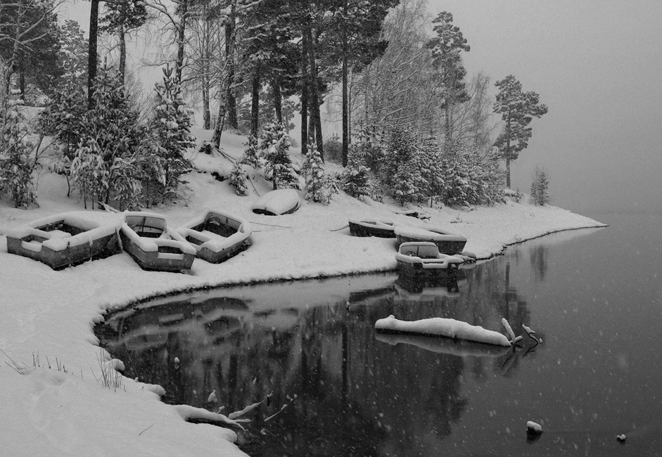 """First snow."" Taken at the Krasnoyarsk reservoir after the very first snowfall. It had been snowing all day, fresh and fluffy."