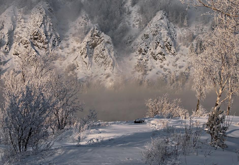 """""""Zimska sanjarenja"""". Prelijepi zimski krajolik Divnogorskog rajona pokraj Jeniseja ovjekovječen fotografskim aparatom jednog ledenog dana."""
