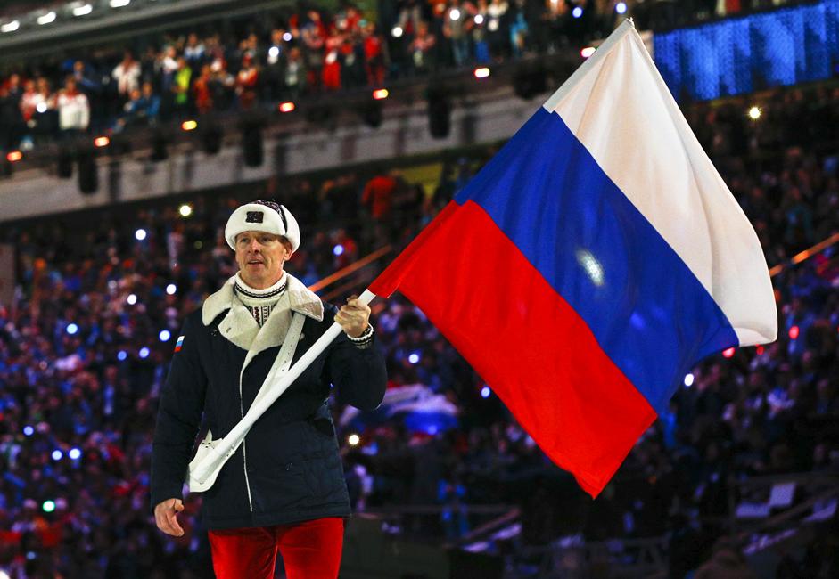 Sejak sistem pemerintahan Rusia yang baru bermulai tahun 1991, warna putih, biru, dan merah menjadi bendera nasional Rusia. Sumber: Reuters