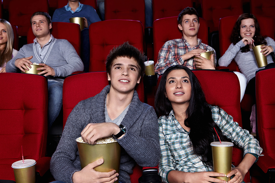 2. januar. Vsi se na ta dan še ne uspejo prikazati na ulici, mnogi nadaljujejo s spanjem in gledanjem filmov, ki so jih videli že 40-krat. Najbolj »aktivni« razumejo, da ni dobro tako nadaljevati in se raje odpravijo ven, na primer v kino.