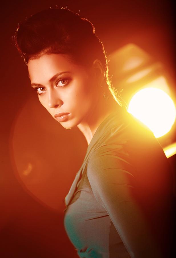 U 2012. zvijezda serije Univer dobila je ulogu u seriji Prestižući metak.