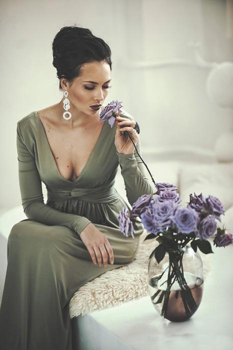 Nekoliko mjeseci kasnije predstavila je javnosti svoj glazbeni singl ''Ti popal'', koji je bio veliki hit na radijskim stanicama Rusije i Ukrajine.