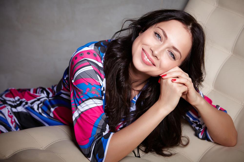 Nastasja se rodila 1. ožujka 1987. u Priozersku, u Lenjingradskoj regiji.