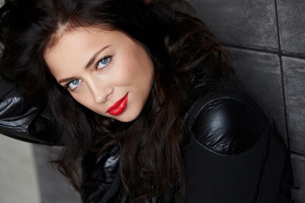 Glumila je u seriji ''Univer'' (Sveučilište), koja je jako popularna u Rusiji, i ''Prestižući metak''.