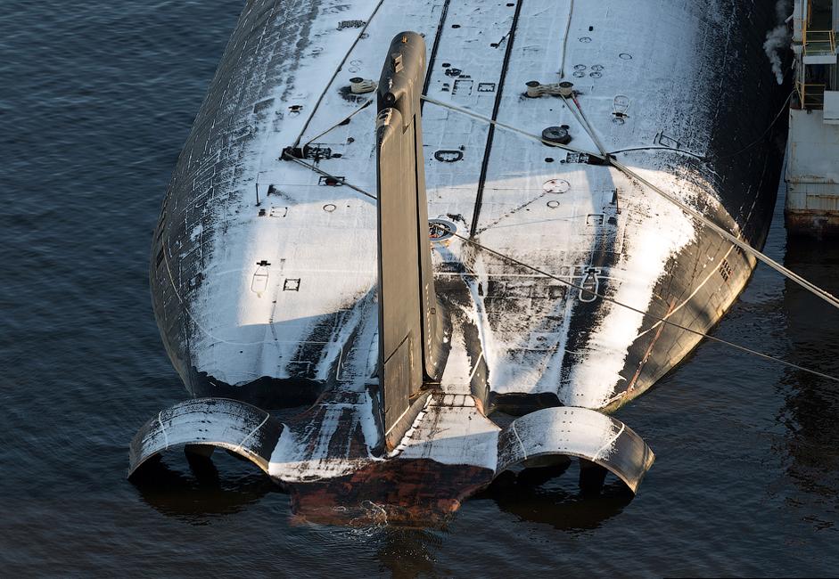 """Това е най-голямата подводница в света, дължината й е 173 метра. За да може да построи подводницата,  """"Севмаш"""" построява работилница №55, най-голямата корабостроителница в света."""