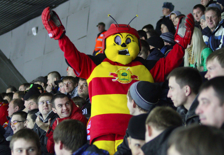 However, mascots can actually bring luck. Hockey club Lipetsk, which plays in the second division in Russia, might remain unknown unless its mascot bumblebee called Zheka. The aggressive insect with its face distorted in anger looks so funny that a popular Russian TV show once devoted a whole program to it.