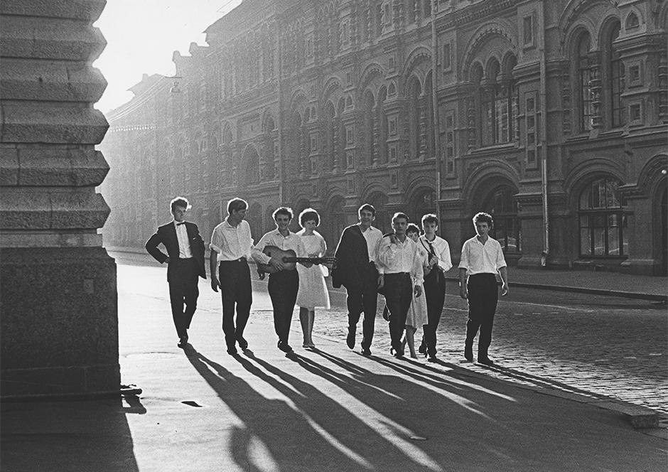 暁、1964年。