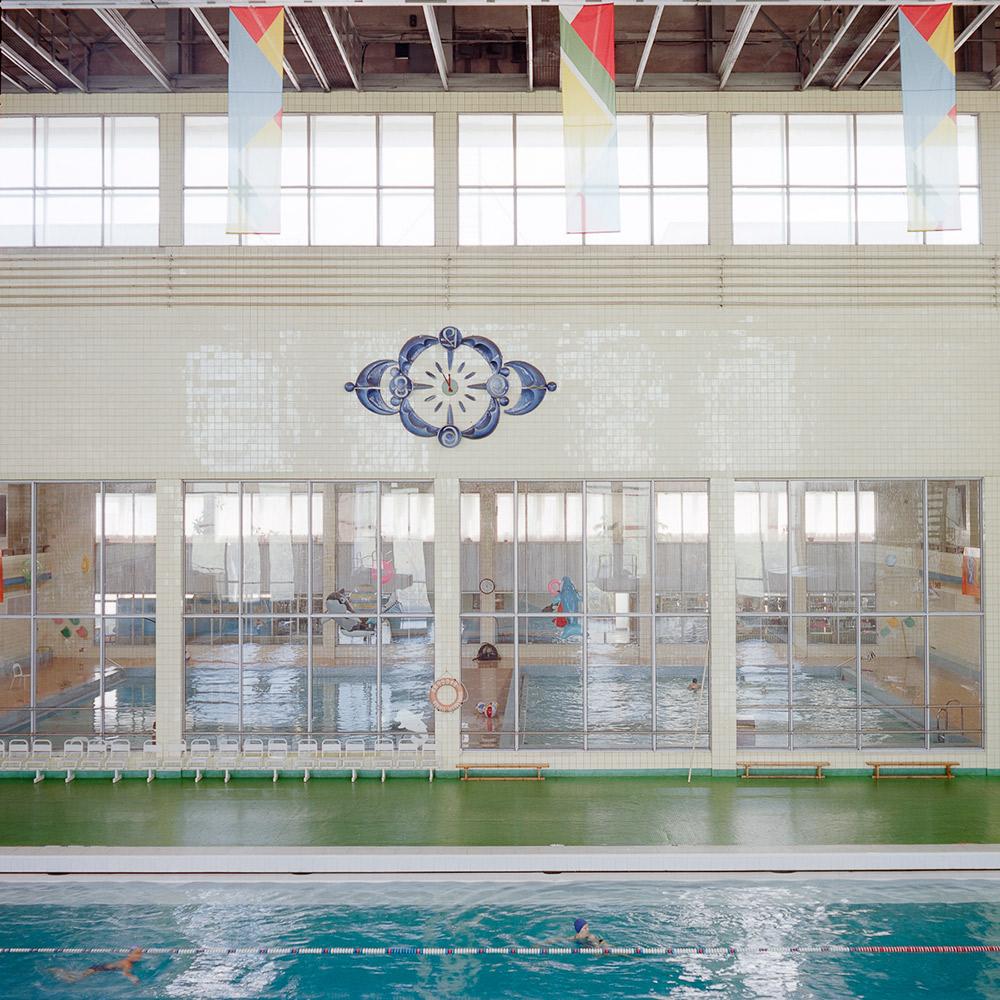 """Bis 2014 wurde das Word """"Olympia"""" in Russland größtenteils mit den Olympischen Spielen 1980 in Moskau in Verbindung gebracht. // Innenansicht des Hallenbads im Sportkomplex Olimpijski"""