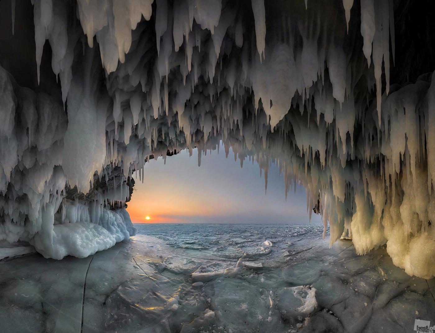 7/15. Jezero Bajkal u ožujku.