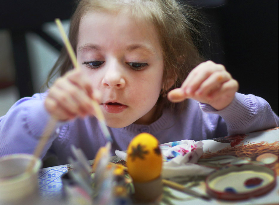 "Children with autism paint Easter eggs during the ""Rain Children"" festival in Ivanovo"