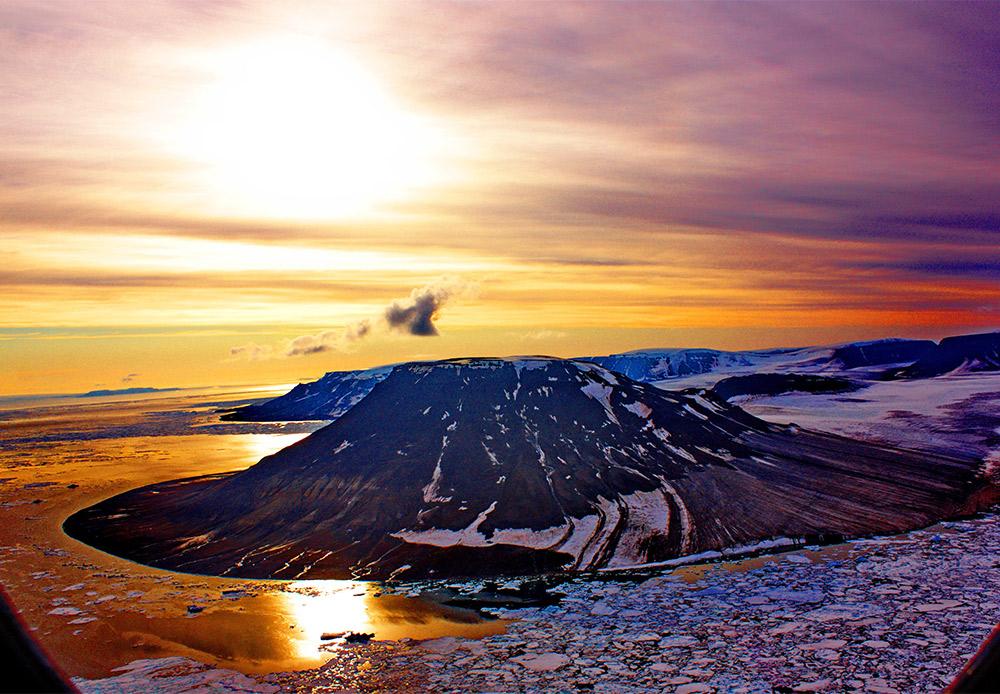 Arktičko ponoćno sunce.