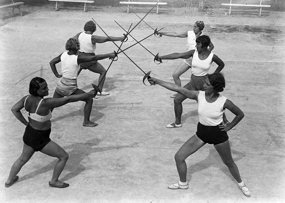 Entraînement sportif au sanatorium Kamenev de l'Armée rouge à Saki, Crimée. 1935-1938.