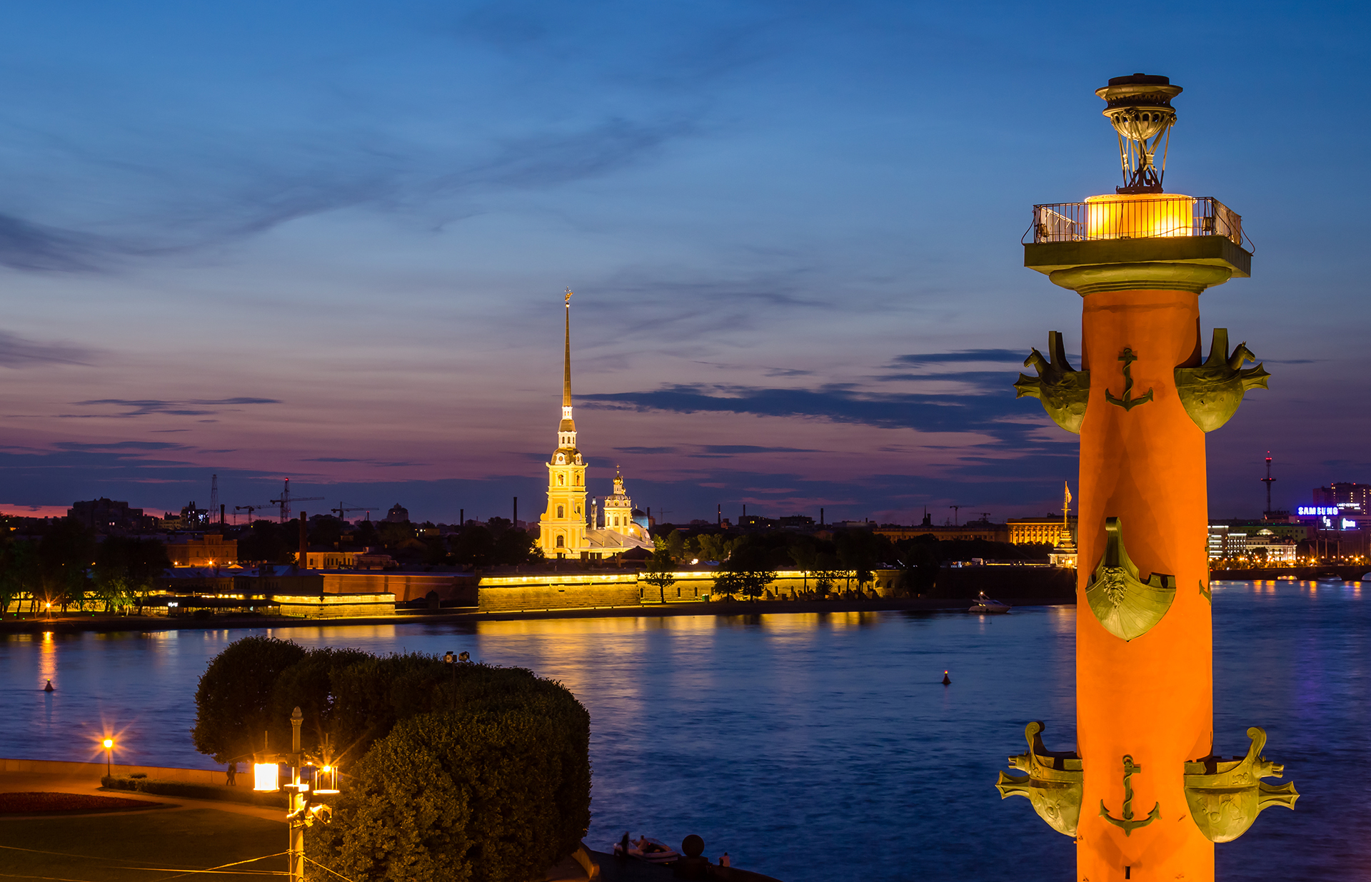 Water, rivers and canals: St. Petersburg is often called the Venice of the North, because it is situated on about 40 islands. Peter the Great, the founder of the city, forbade the building of bridges in the very beginning and wanted everyone to get around by boat.
