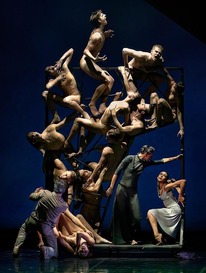 « Dans ce spectacle, nous présentons par le langage du corps les passions, la lutte intérieure et le désespoir, tous ces phénomènes de l'esprit humain qui sont  exprimés avec génie dans le bronze et le marbre par Rodin et Camille. En mettant en scène ce nouveau ballet, j'ai voulu transformer l'instant figé dans la pierre en un courant effréné, émotionnellement chargé de mouvements du corps ».