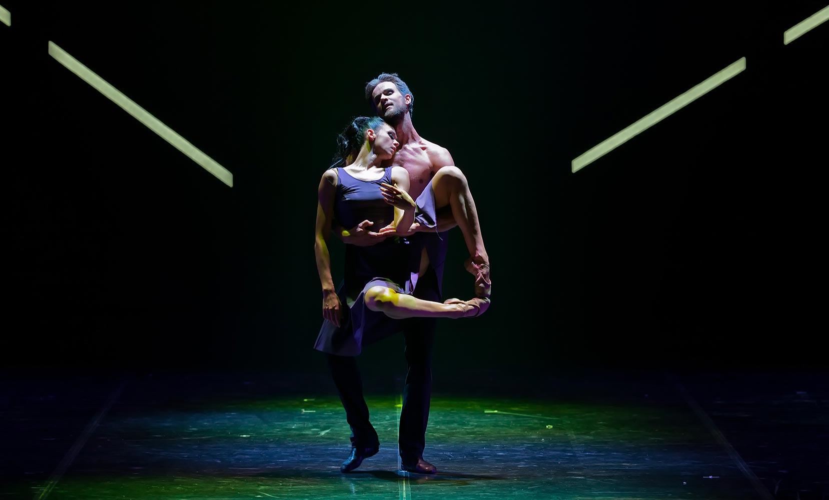 La selezione straordinaria dei temi e della musica e la plasticitu00e0 del corpo dei suoi ballerini hanno dato a Eifman la fama di u201ccoreografo dissidenteu201d