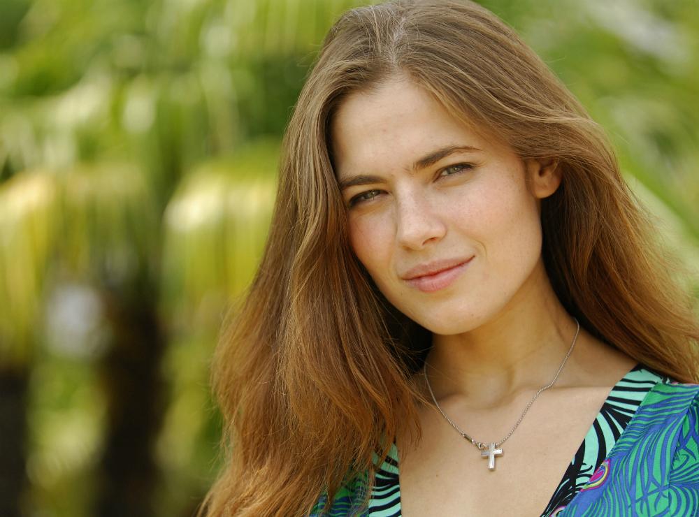 Yulia lavora anche come presentatrice per un canale televisivo di San Pietroburgo e ha partecipato a una campagna pubblicitaria per L'Oreal
