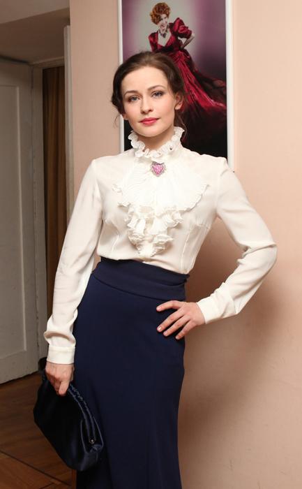 """Yulia è madre di tre bambini, due femmine e un maschietto. L'attrice collabora anche con l'Istituto di beneficenza """"Galchonok"""" che aiuta i bambini affetti da malattie del sistema nervoso"""