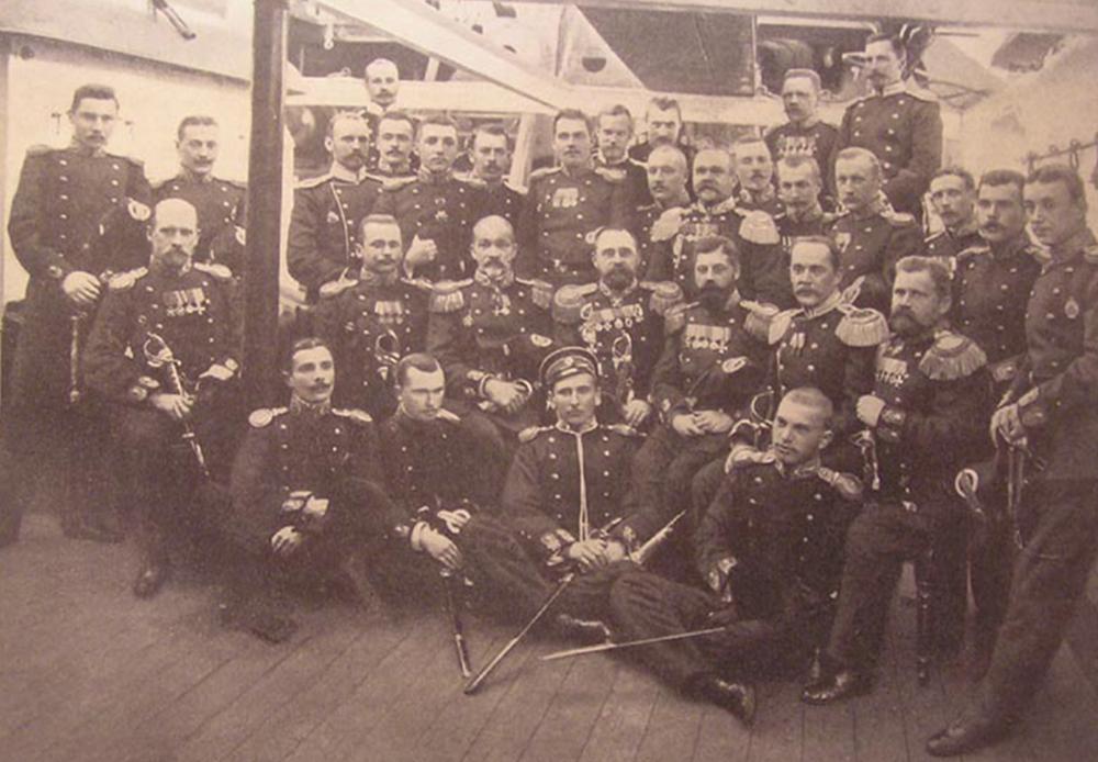 装甲艦「クニャージ・スヴォーロフ」の将校団