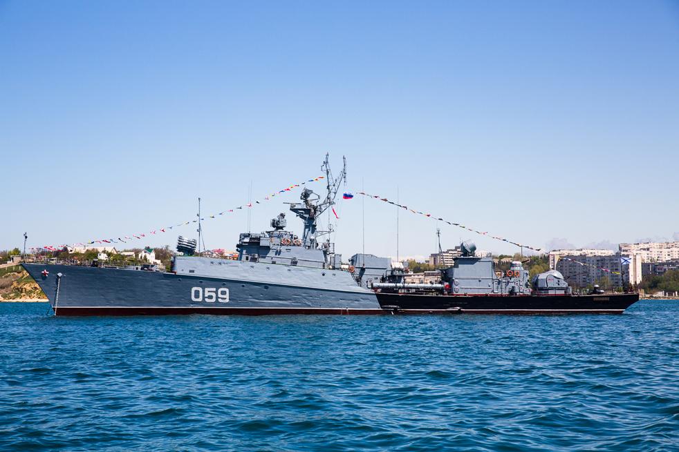 """Клас """"Албатрос"""" е серия противоподводни корвети, построени за Съветския съюз между 1970 и 1990 г. Тези кораби имат ограничен обхват и се използват само в крайбрежни води."""