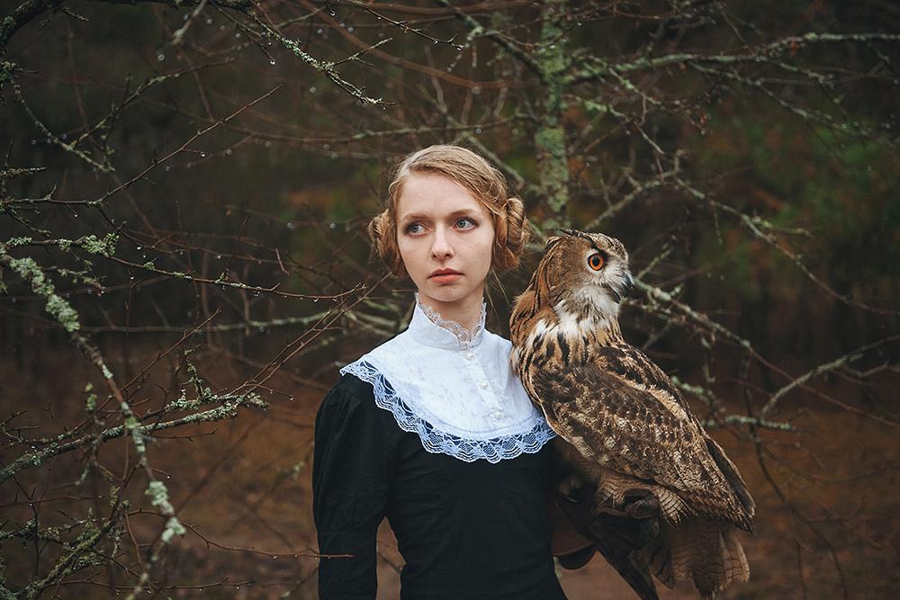 « En 2012, j'ai fait ma première séance photo d'un modèle avec un serpent, puis un corbeau et un hibou… puis, j'ai rencontré Katerina Plotnikova qui m'inspire encore à ce jour ».