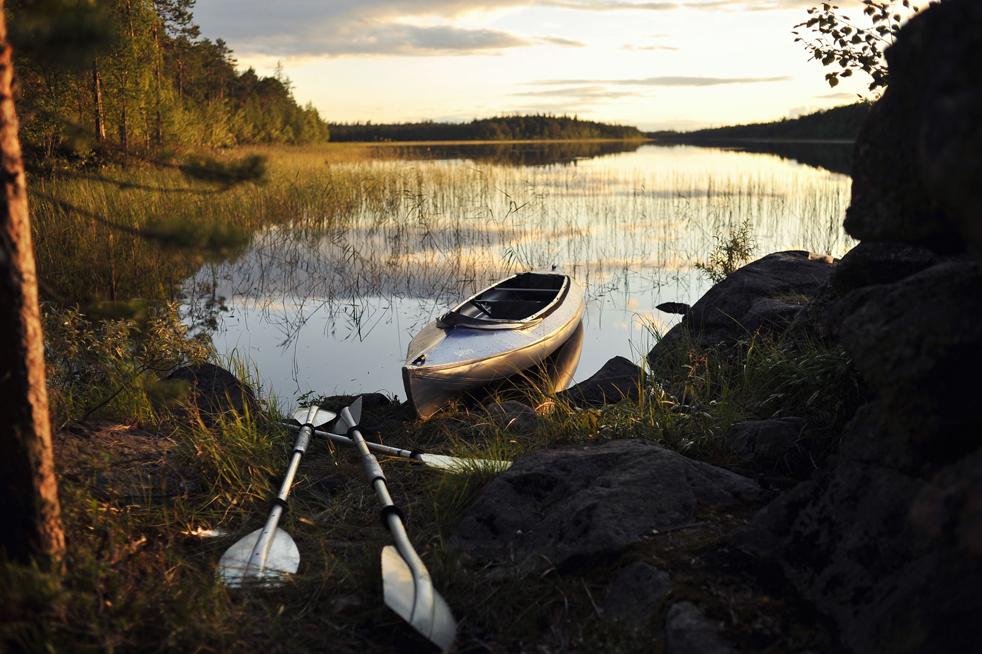 1. U Kareliji ima više od 60 000 jezera. Neka su velika, neka malena. Isto tako, ima 27 000 rijeka...