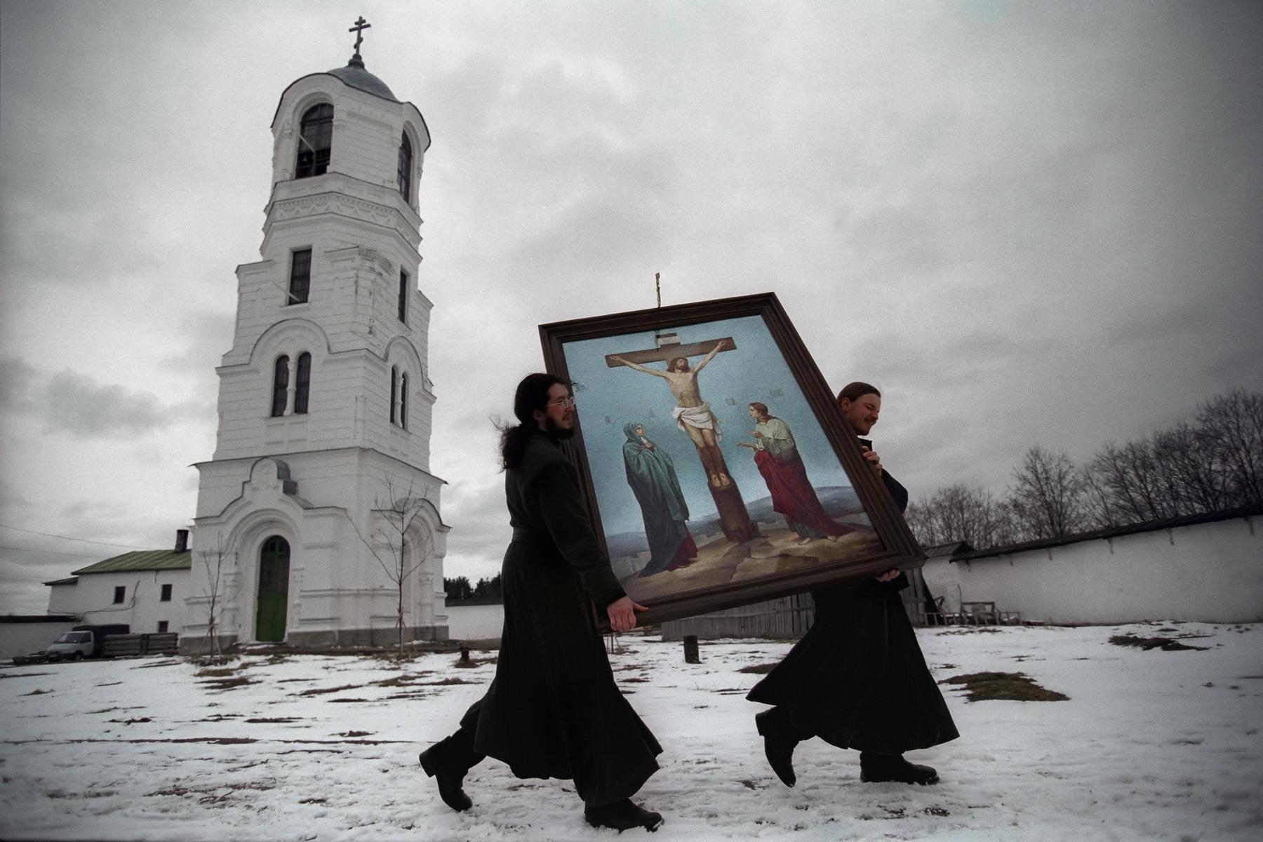 Aleksandro-Svirskyi Monastery, St. Petersburg region, 2002.