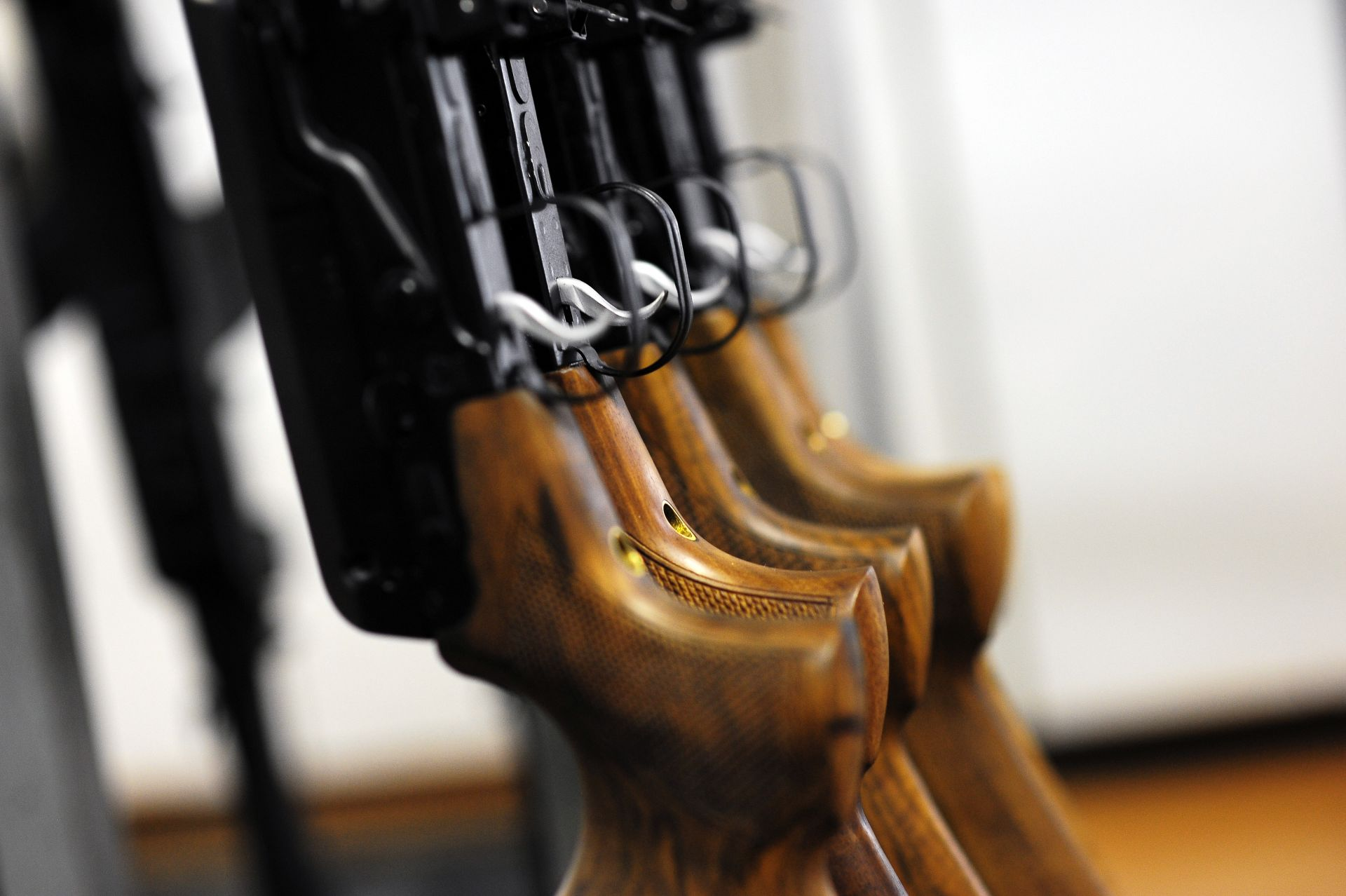 7/10. Упркос снажној конкуренцији врхунских совјетских произвођача лаког наоружања, прототип који је израдио Калашњиков доспео је у други круг надметања, а на крају и до завршног тестирања.