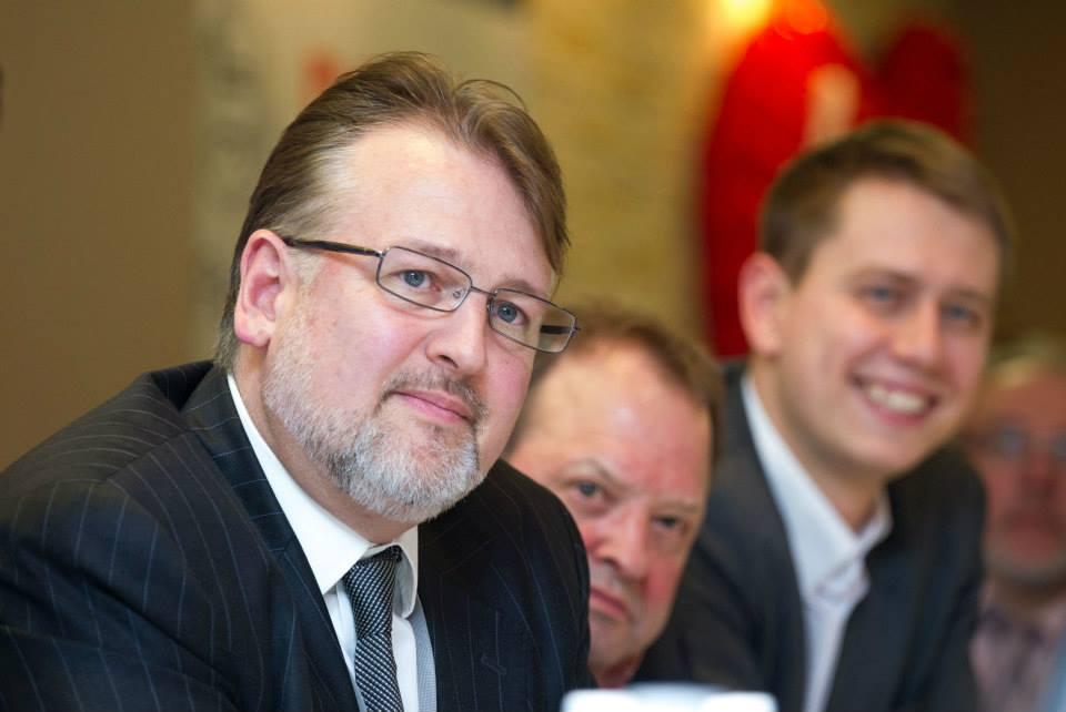 """През 90-те години Кендрик Уайт създава един от първите в Русия центрове за подготовка на начинаещи предприемачи, през 2005 година основава и оглавява инвестиционно-консултативната компания """"Марчмонт Кепитъл Партнърс"""" (Marchmont Capital Partners), а от 2013 година работи като заместник ректор в ННГУ, където, освен с всичко друго, се занимава с комерсиализация на технологични проекти – извежда ги на глобалните пазари."""