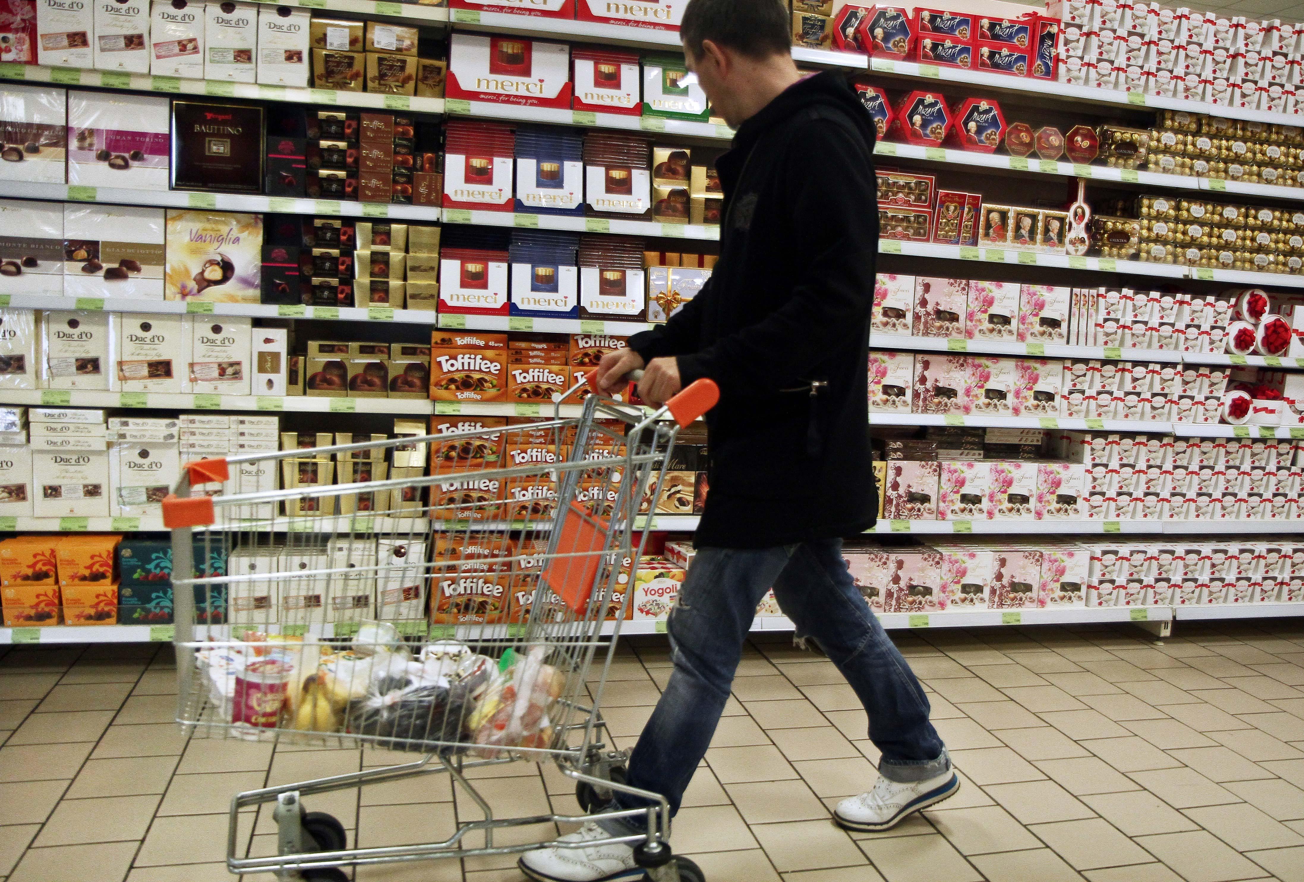 Според мнението на руските чиновници контрасанкциите на Русия срещу селскостопанските производители от Европа, САЩ, Канада и Австралия помагат за развитието на националния бизнес.