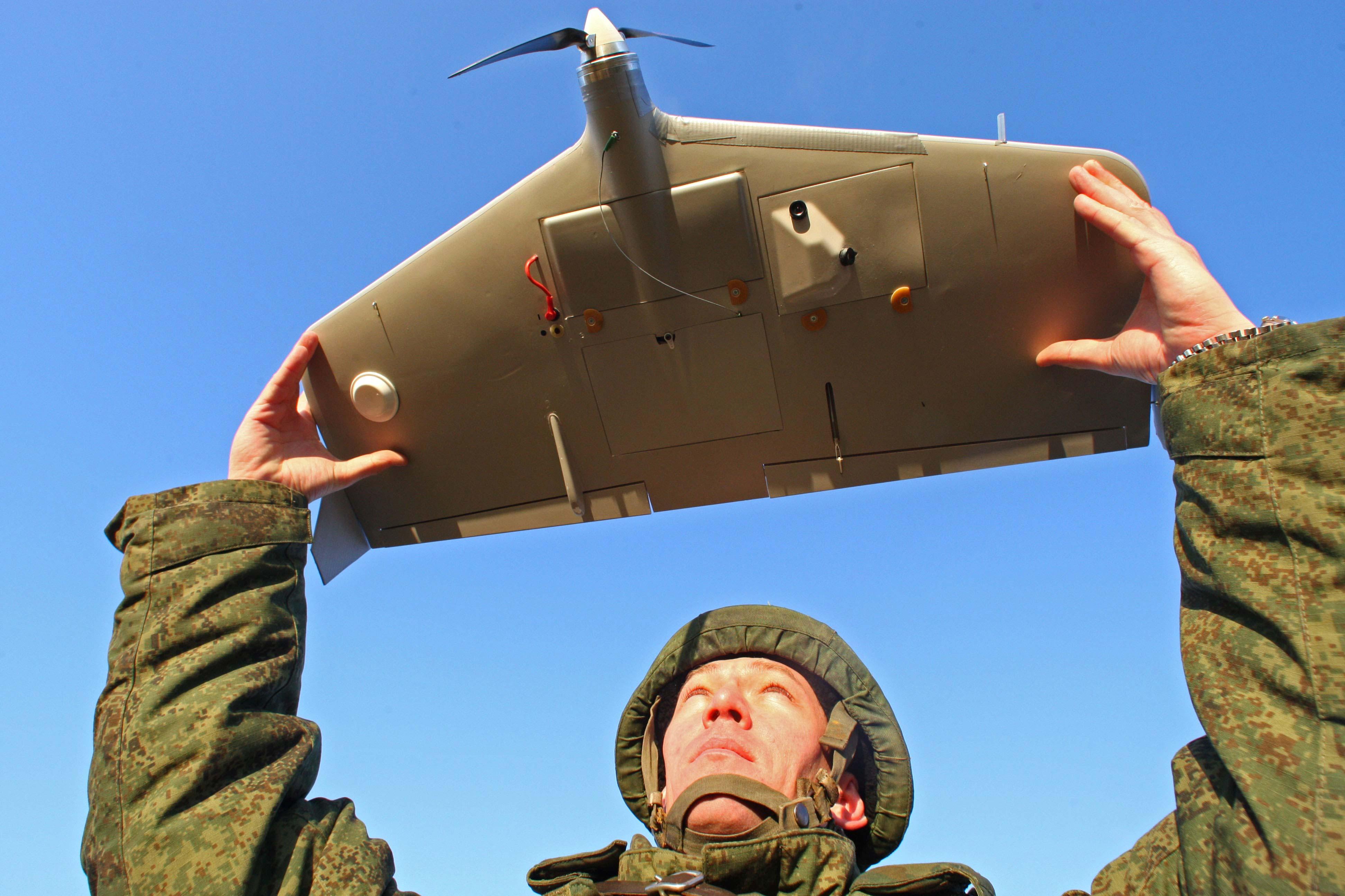 В началото на 2014 година Министерството на отбраната заяви намеренията си да похарчи около 320 милиарда рубли (около 5 млрд. евро) за обзавеждане на въоръжените сили с безпилотни летателни апарати.