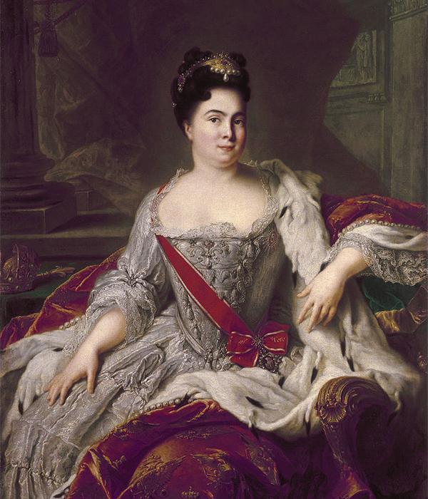 ロシアNOWがロマノフ朝の女帝、皇后の最も優れた肖像を厳選した。自ら統治した女帝もいれば、皇帝の妻そして母親としての地位に満足した女性もいた。ロシア人の女帝もいれば、ヨーロッパの王朝から嫁いで来た皇后もいた。これらの女帝すべてに共通することは、多くのロシア人画家によって描かれたように、全員が権力と美貌を誇っていたということだ。ピョートル大帝の妻だったエカチェリーナ1世  (1684〜1727) は、1725年の夫の死後、ロシアで初めて2年間にわたり自ら国を統治した女帝である。/ エカチェリーナ1世の肖像、ジャン=マルク・ナティエ、1717年。