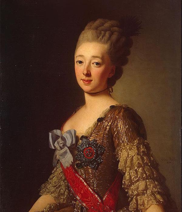 Наталија Алексевна (1755 – 1776), првата жена на Павел I, починала на 21 година при породувањето со првото дете. Таа била од богато и истакнато семејство. / Портрет на Наталија Алексеевна од Русија, Александар Рослин, 1776.