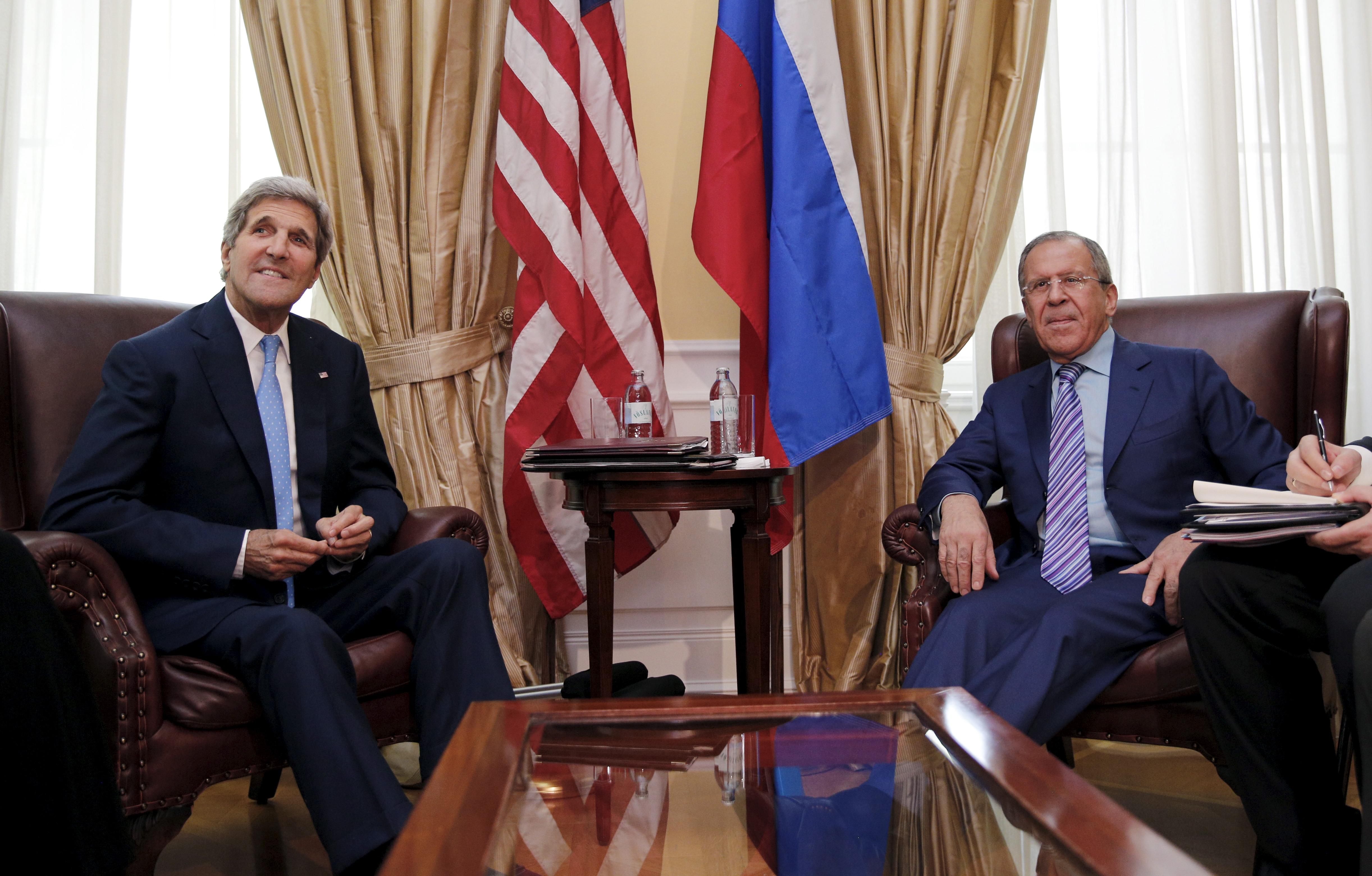 """""""Най-вероятно става дума [между Лавров и Кери] за консолидиране на усилията срещу мобилизацията на волнонаемници от различни страни в ИД""""."""