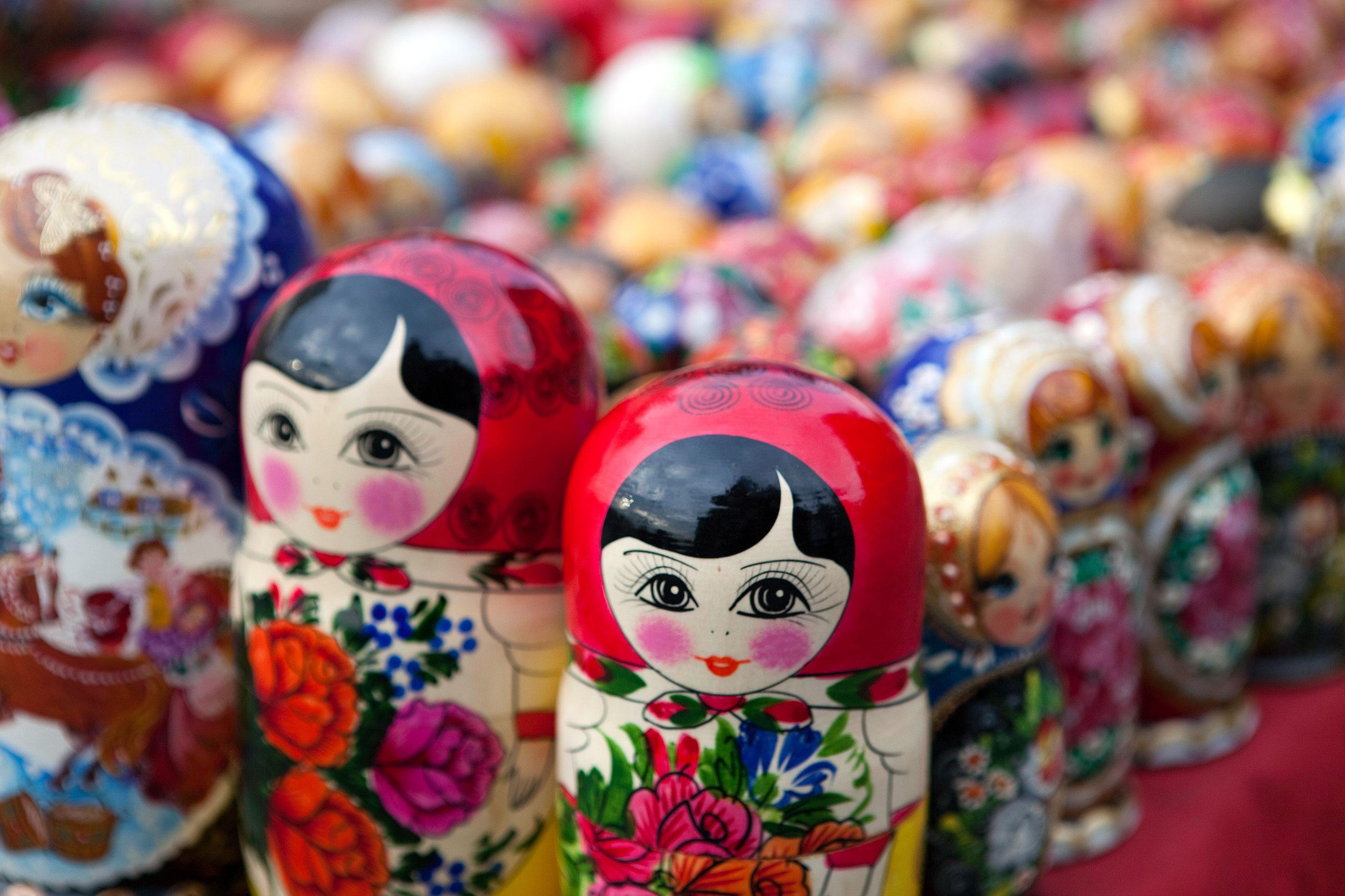 От средата на 30-те години започва епохата на фабричното производство на матрьошката, благодарение на което тя придобива статуса на водещ сувенир на страната.