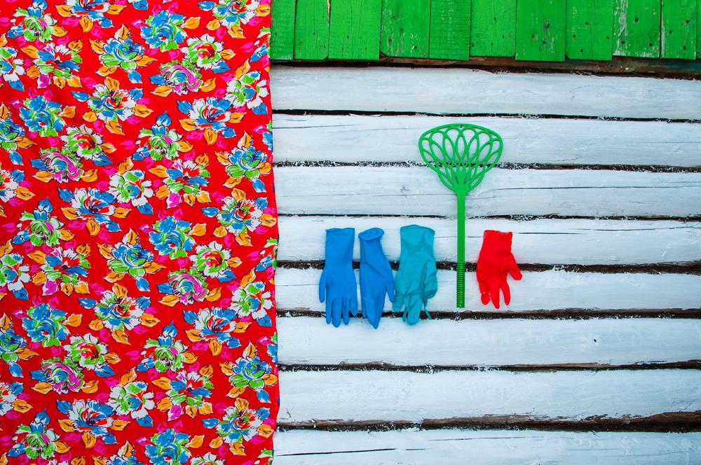 """""""In einigen Farbkombinationen entdeckte ich sogar gewisse Ähnlichkeiten mit Henri Matisses Scherenschnitten oder auch naiv-subtile und dennoch raffinierte Züge Paul Klees."""" // Das Dorf Mindjak"""