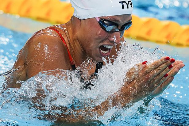 Датчанката Рике Мьолер Педерсен на полуфинала в дисциплината 200 м бруст при жените.