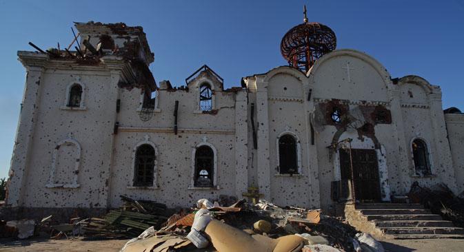 Gereja Ikon Iberia Bunda Maria di Biara Iberia Donetsk dekat bandara Donetsk yang rusak parah selama pertempuran di tenggara Ukraina.