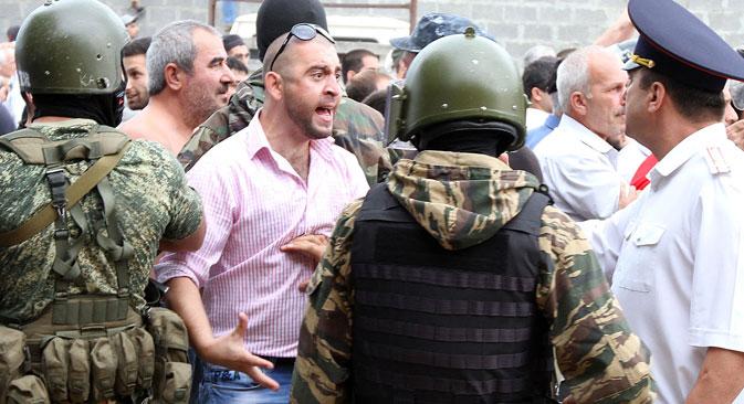 Les habitants du Daghetsan se plaignent du comportement des militaires.