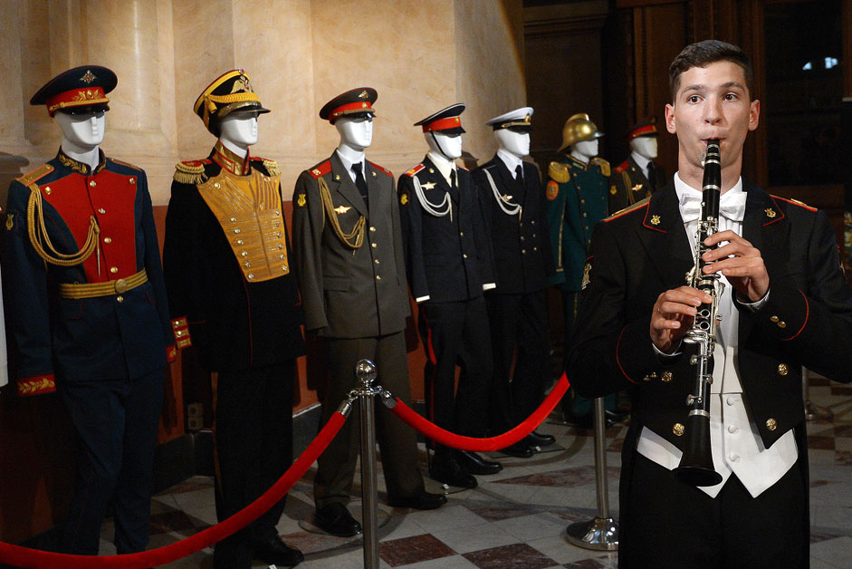 Musician from orchestra 154 of the separate Preobrazhensky regiment, seen at the presentation of the uniform of military band musicians participating in Savior Tower Festival at the State History Museum.