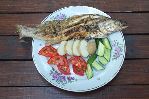 Delicious TV: Pikeperch on the grill