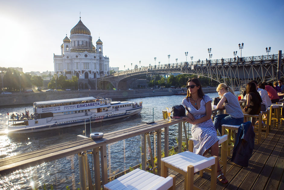 Views of Moscow from bars and restaurants. Okay, Russian cuisine is fine, but when you come to eat or drink your attention is always grabbed by something other than food. In the end, you don't know what to look at: the view or your plate. 0 out of 10. Better eat at home.