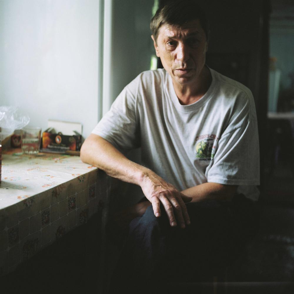 Sergej Kondraciev radio je u rudniku 23 godine: ''Živim sto metara od rudnika. Rudnika više nema, ali sam još uvijek tu, živ i zdrav''. Bez obzira na to, rudnik se svaku noć pojavljuje u njegovim snovima.
